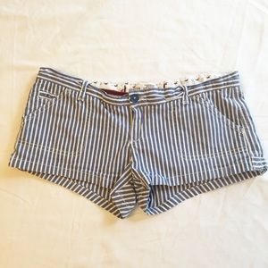 Hollister Blue and White Striped Shorts Size 5